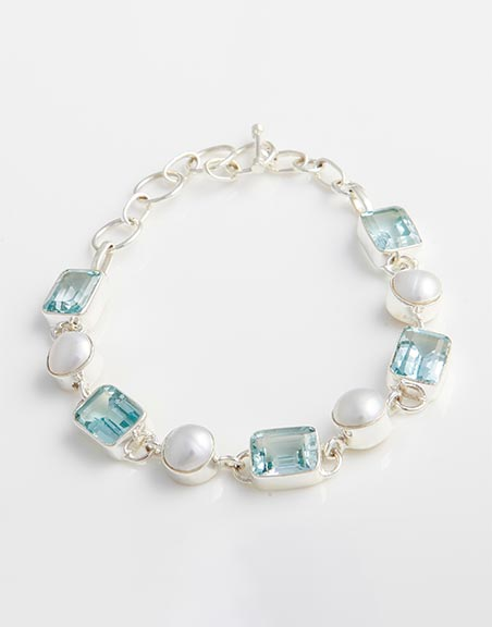 bracelet-with-blue-topaz-white-freshwater-pearls-in-sterling-silver-bb8d