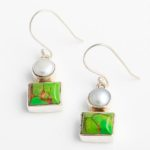 silver-earrings-with-white-pearls-green-mojave-turquoise-be39j