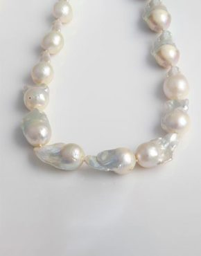 white-freshwater-baroque-pearl-necklace-with-magnetic-sterling-clasp-fn4a