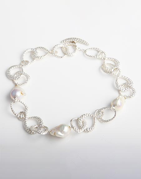 beaten-silver-necklace-with-white-freshwater-pearls-fn6a