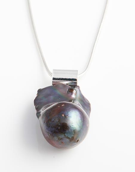 freshwater-black-baroque-pearl-in-sterling-silver-fp1b